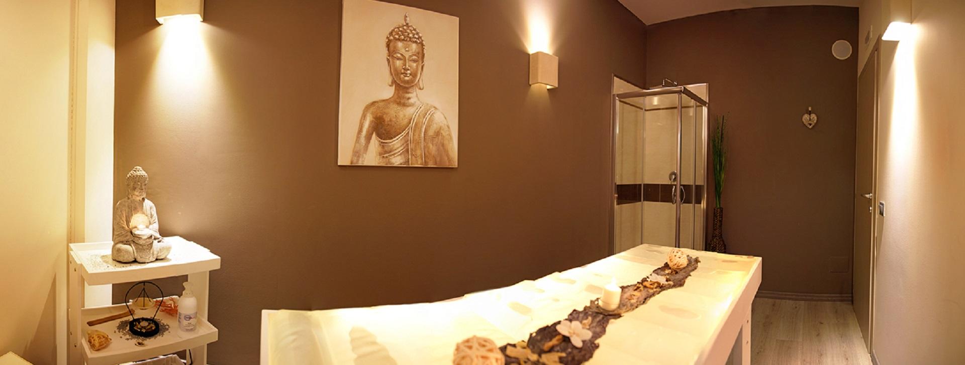 Attrezzature per centri estetici a lecce arredamento for Arredamento spa e centri benessere